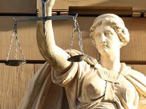 justitia-421805_640